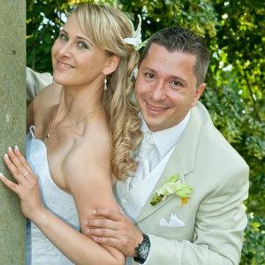 Brautfrisuren Dresden – Frisur und Hochzeitsservice - das glückliche Paar