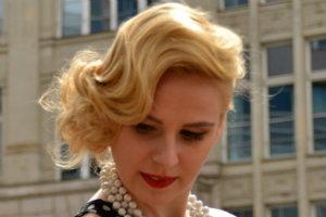 Frisurenberatung-Hairstyling-Makeup-Beratung-Dresden-Wasserwelle-blond1-300