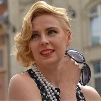 Frisurenberatung Dresden, Styling-, Makeup-, Typ-Beratung   Wasserwelle-brille-blond-200x200