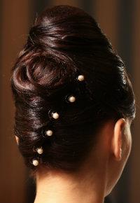 Hochsteckfrisuren: Hairstyling elegant dunkelbraun
